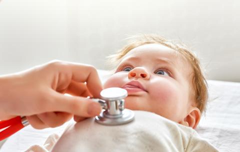bb954780ebdcf 医師解説 赤ちゃんのうんちの色が白っぽい。原因と対応方法は? うんと ...